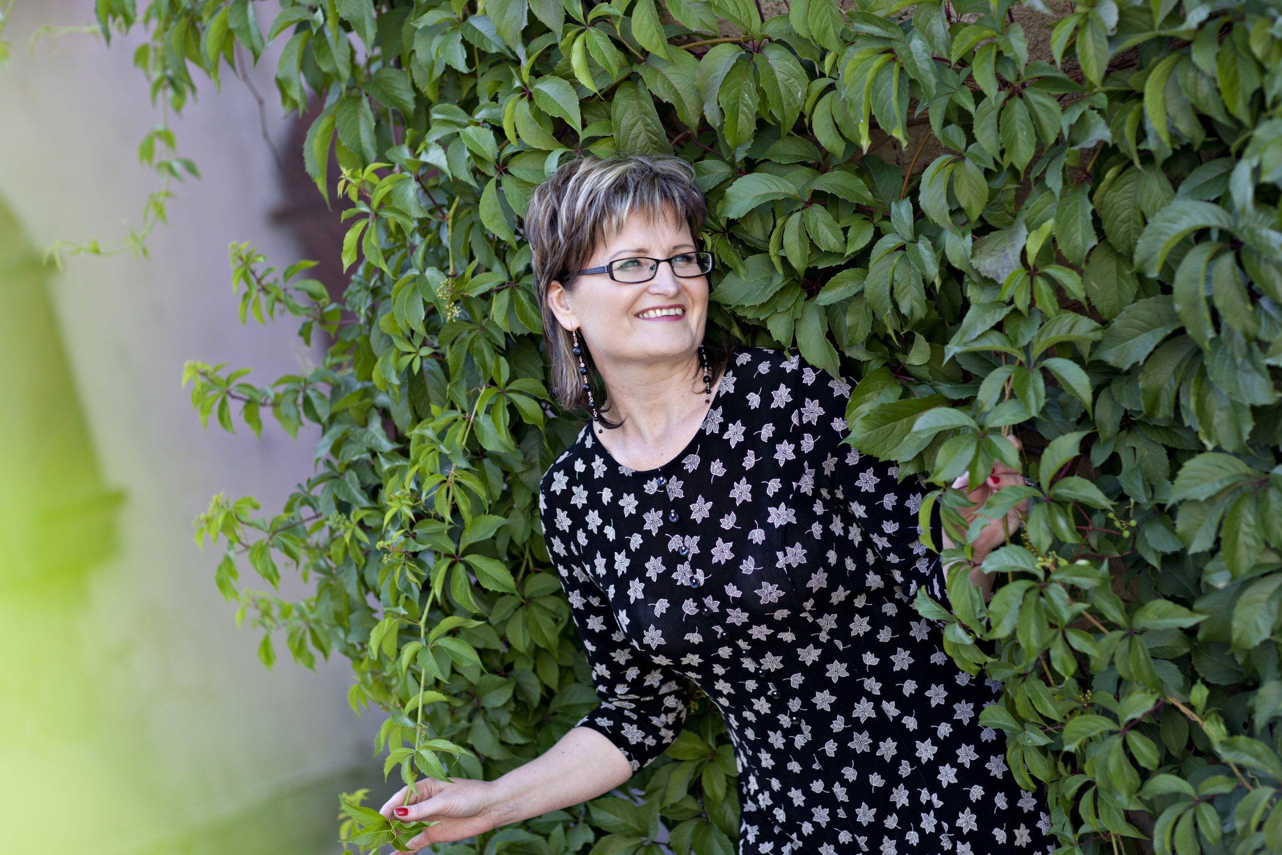 Lina Daujotė. Donelaitiškos gamtos metaforos ir fizikos dėsniai